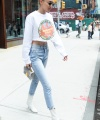 Startraks_Gigi_Hadid_Leaving_10011202471.jpg