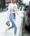 Startraks_Gigi_Hadid_Leaving_10011202472.jpg